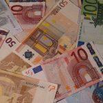 25 Arten, um Geld fürs Reisen zu sparen