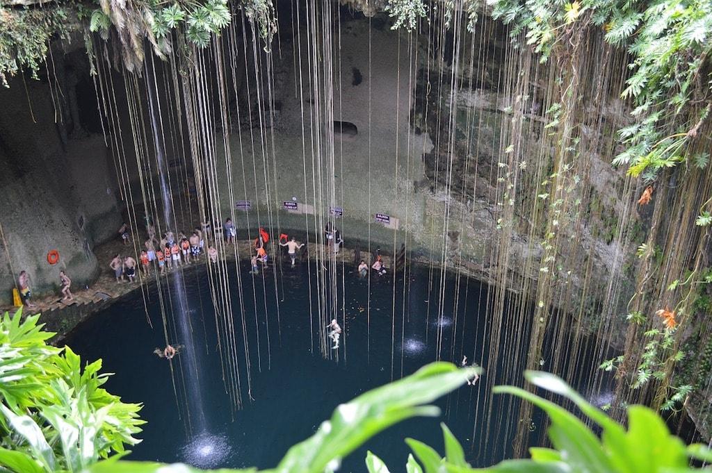 Cenote ik kil Unterwasserhöhle